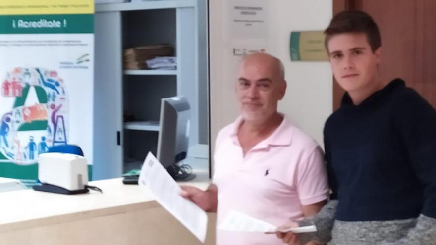 Héctor Sánchez, junto a Manuel Luque, coordinador de Córdoba Laica