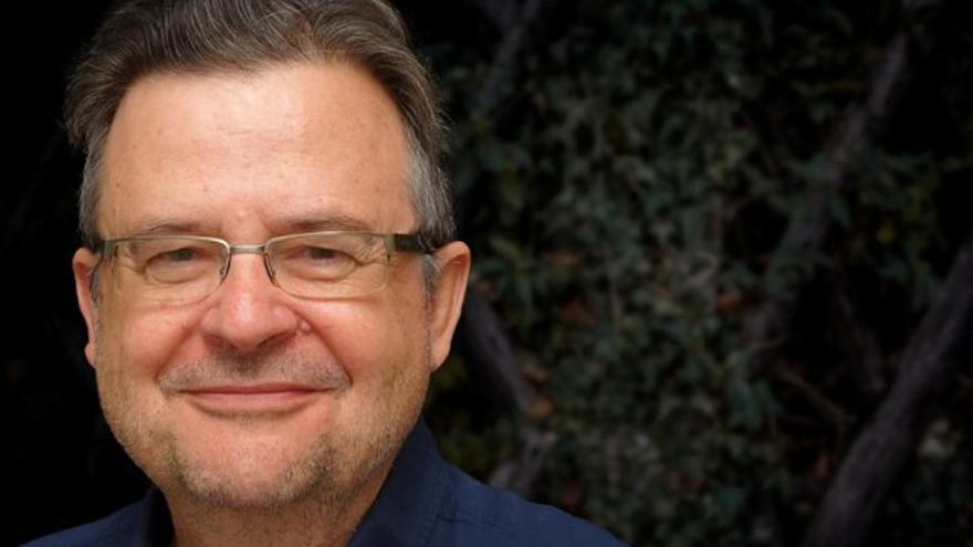 Antonio Sitges-Serra (Barcelona, 1951) es un médico con enorme prestigio profesional, académico y científico