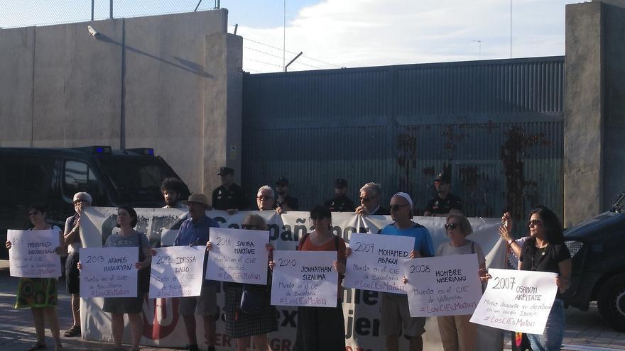 Concentración de CIES No tras la muerte de un joven marroquí en Valencia