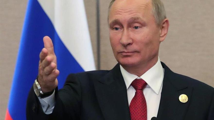 Putin sobre EEUU: es difícil hablar con quien confunde Austria con Australia