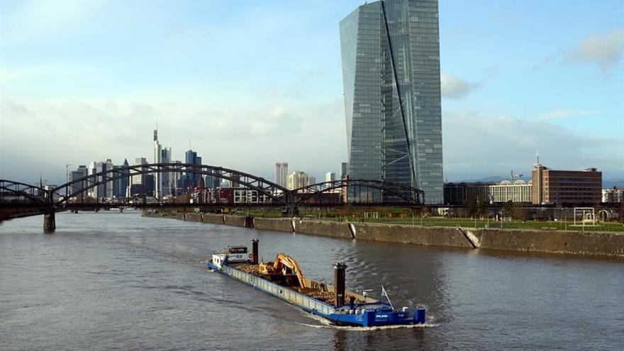 El BCE debatió descartar la posibilidad de aumentar los estímulos monetarios