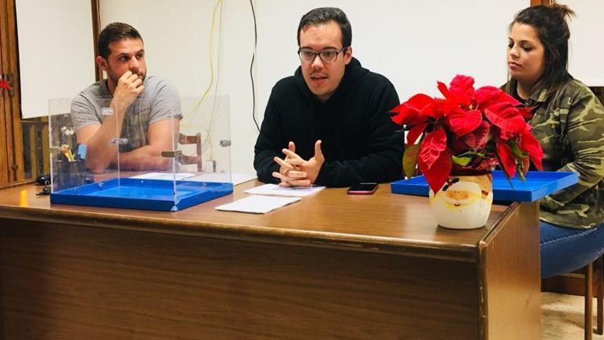 Michel Rodríguez Acosta (c), nuevo secretario general del Comité Local  de Jóvenes Nacionalistas de Coalición Canaria (CC) en Los Llanos de Aridane.