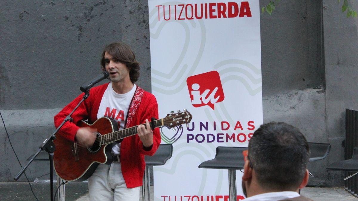 El cantautor Nacho Laborda interpretó dos de sus reivindicativos temas LGTB | SOMOS CHUECA