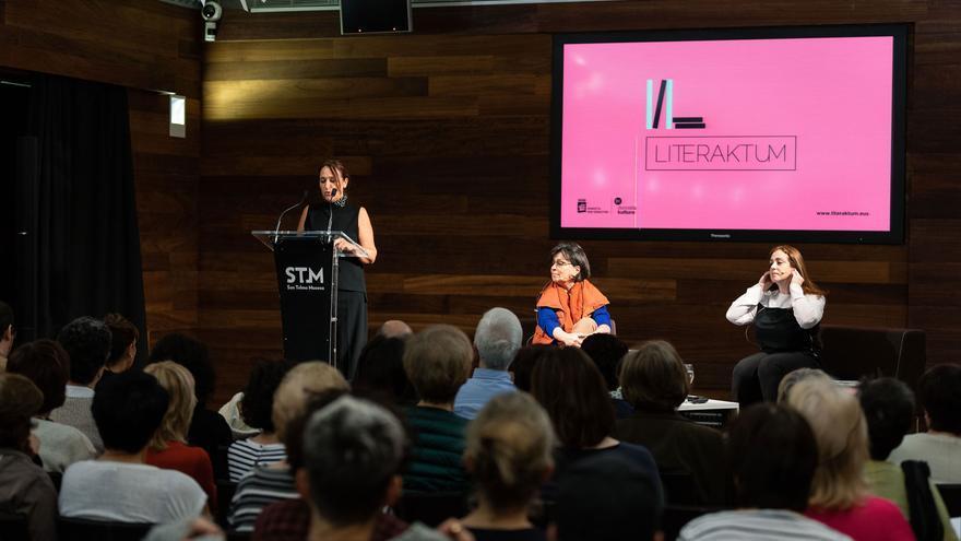 La presentación del libro se celebró en el Museo San Telmo de San Sebastián
