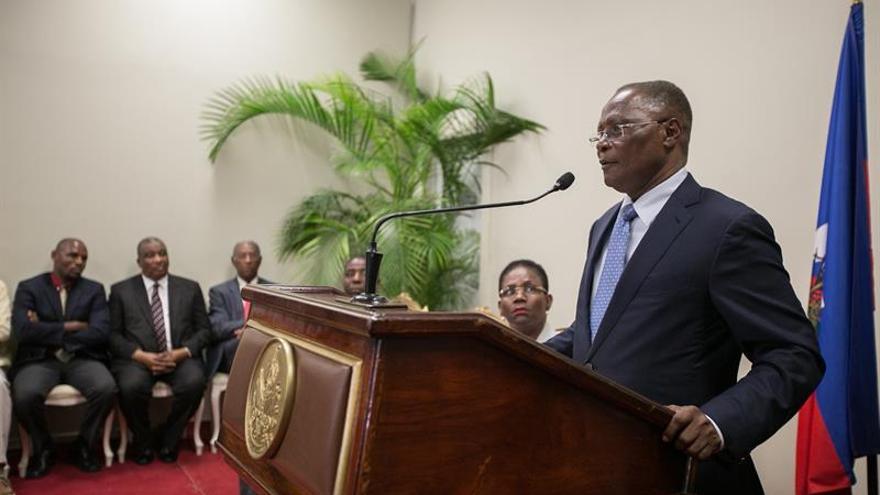 Parlamento haitiano no logra quórum para decidir sobre permanencia de Privert
