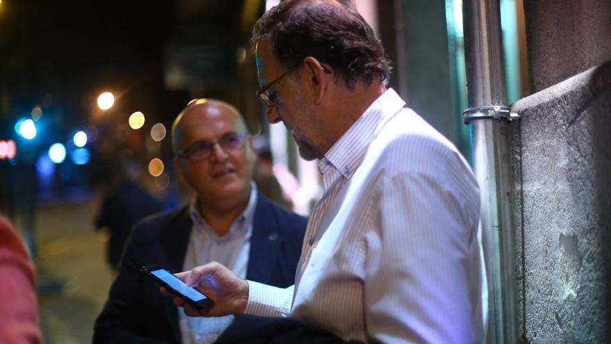 """Rajoy llega a Ourense, """"ciudad acogedora de gente campechana"""", antes de su gira de este martes"""