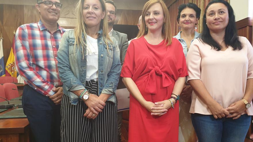 Nieves Lady Barreto compareció este jueves junto a su grupo de Gobierno.