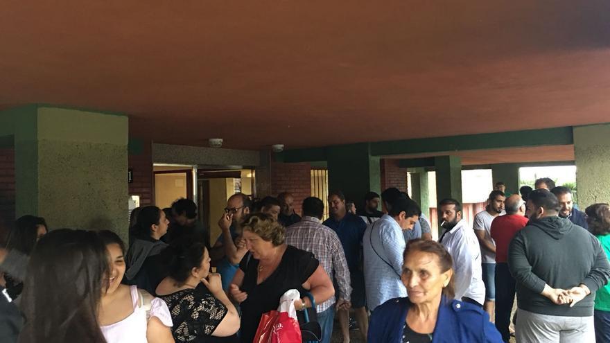 Participantes en la paralización del desahucio de la calle Cardenal Herrera Oria (Santander)