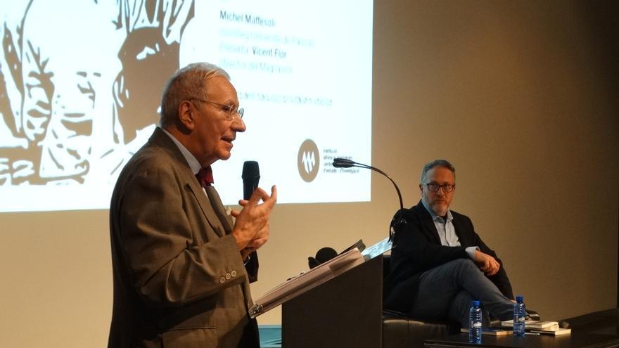 El sociólogo francés, Michel Maffesoli y Vicent Flor, director del la Institució Alfons el Magnànim, este miércoles en el MuVIM.