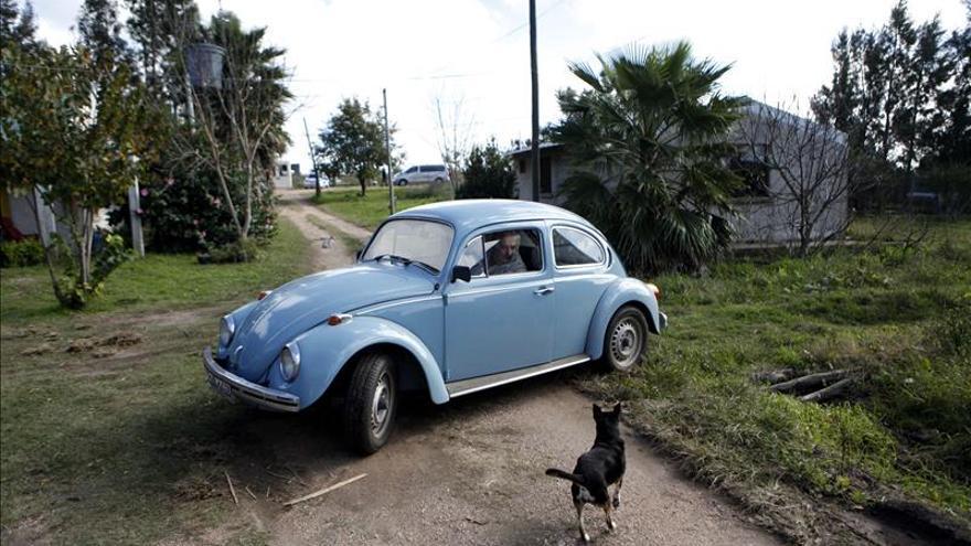 """Mujica pide que no se preocupen por su automóvil """"Fusca"""""""
