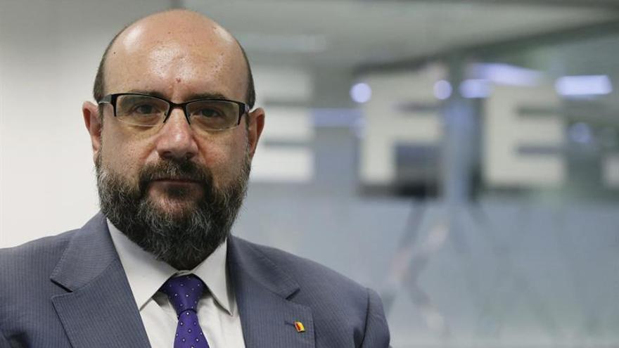 """El CSIF rechaza el """"desafío"""" del Parlament y ofrece asesoría a los funcionarios"""