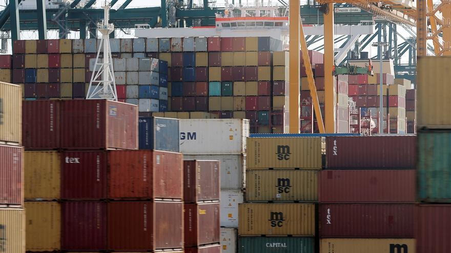 El déficit comercial cae un 28,7 % hasta junio con la mejora de las exportaciones