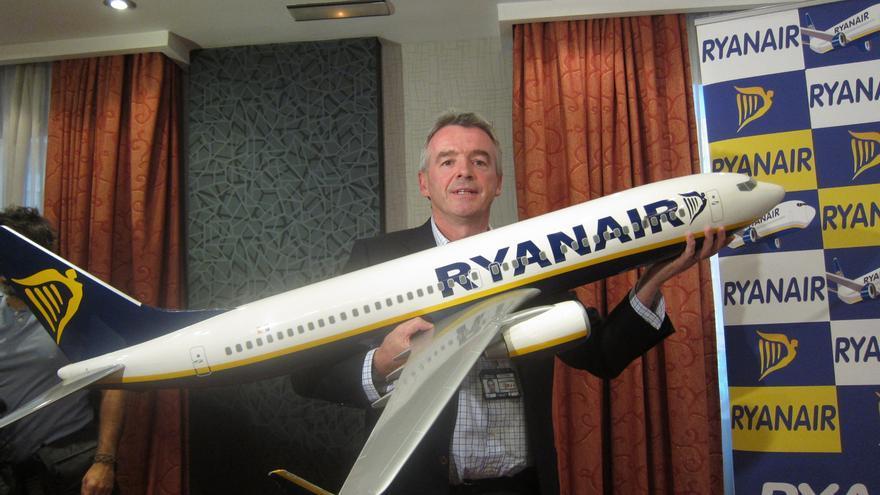 """(Ampl.) La CE investigará """"en profundidad"""" la oferta de Ryanair para comprar Aer Lingus"""