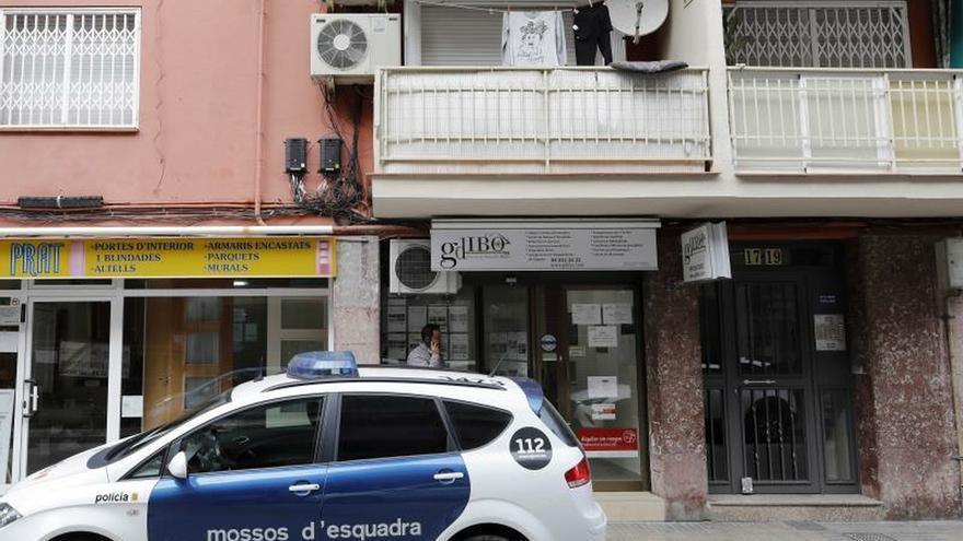 Asesinada una mujer en El Prat por su pareja, que se entrega a los Mossos
