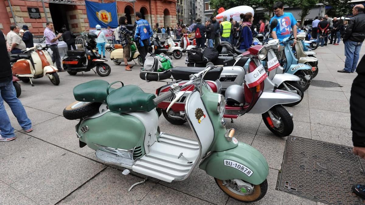 Concentración de Lambrettas en Eibar