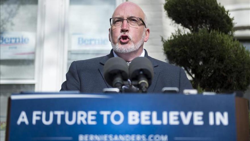 Campaña de Sanders volverá a tener acceso el sábado a datos de demócratas