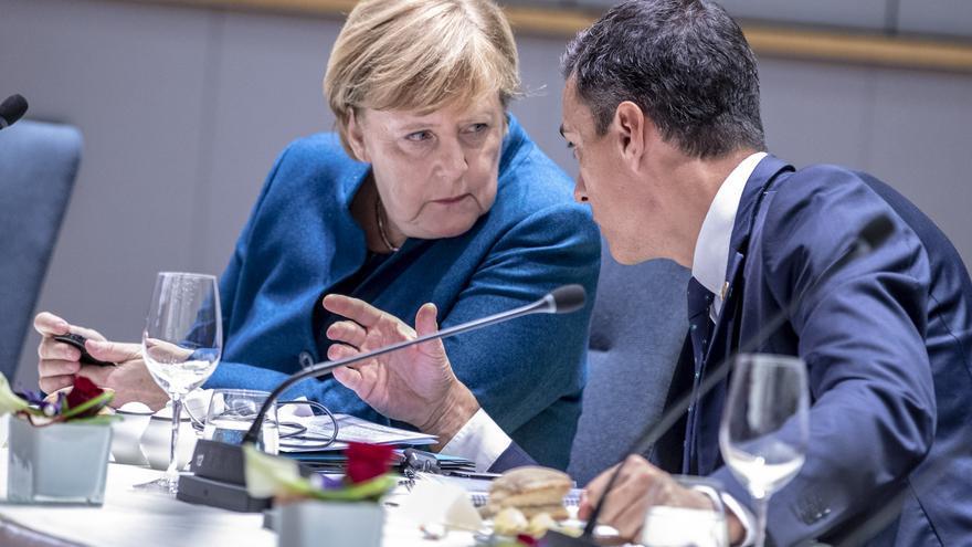 La canciller alemana, Angela Merkel, y el presidente del Gobierno español, Pedro Sánchez, el 17 de octubre de 2018 en Bruselas.