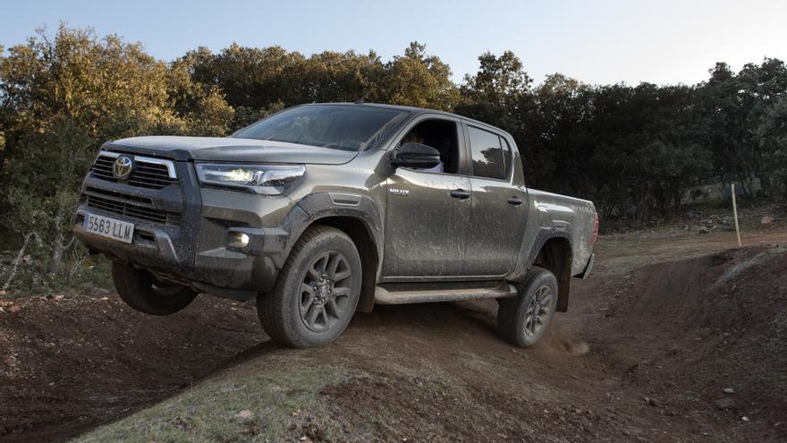 Gama todoterreno de Toyota: de los SUV híbridos a los imparables 4x4