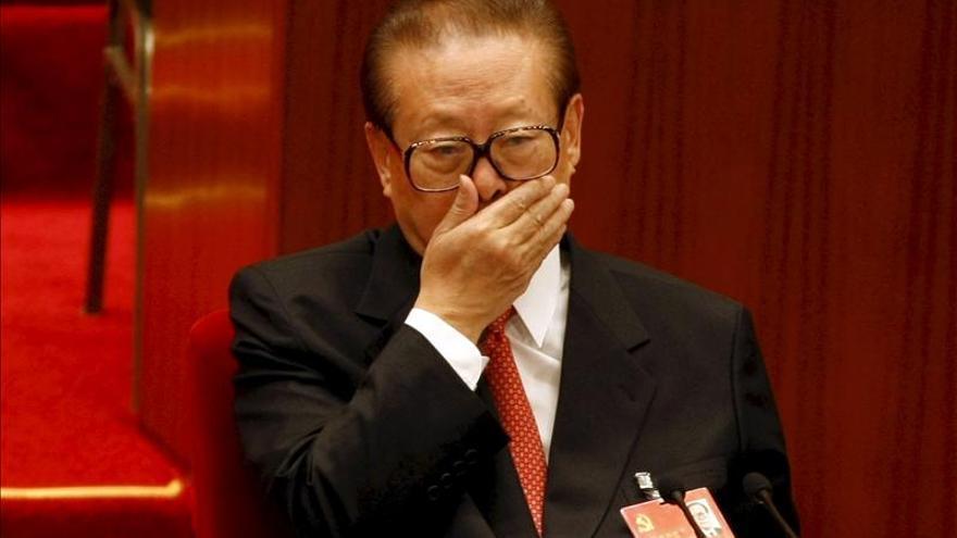 El expresidente chino Jiang Zemin, investigado por el genocidio en el Tíbet.