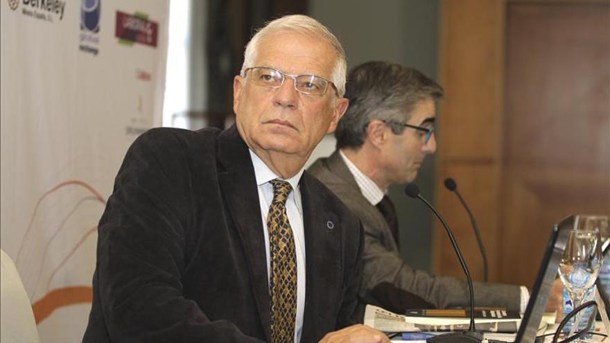 """Borrell alerta del """"peligro"""" y del """"riesgo"""" de que España se rompa como país"""