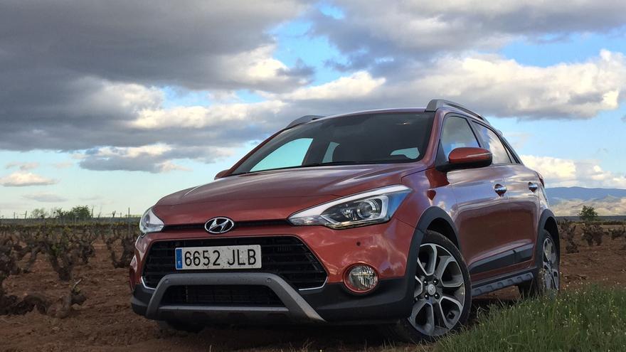 El Hyundai i20 Active es un compacto con apariencia de todo terreno.