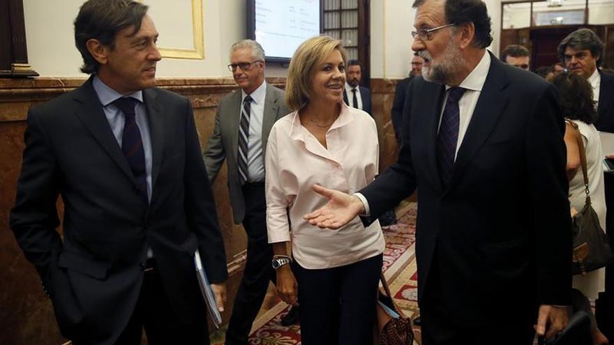 """Rajoy dice que ha tratado de """"favorecer"""" a Robles como portavoz de la oposición"""