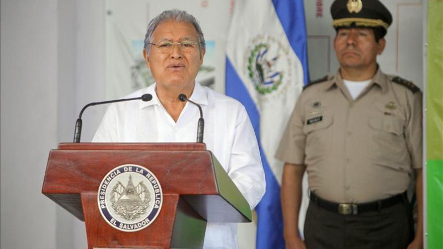 El presidente Sánchez Cerén se reúne con princesa Mako de Japón en El Salvador