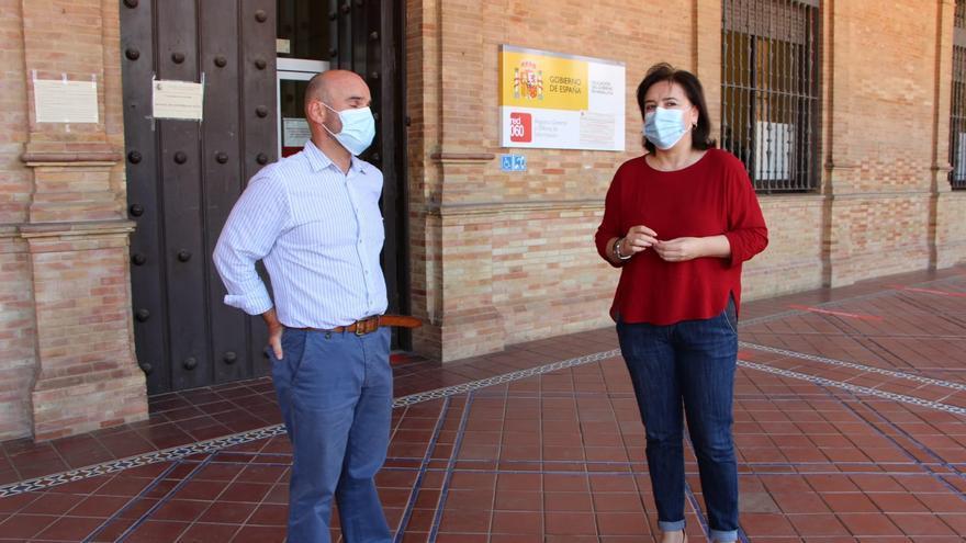 Delegada del Gobierno en Andalucía en la Plaza de España /Foto: Delegación