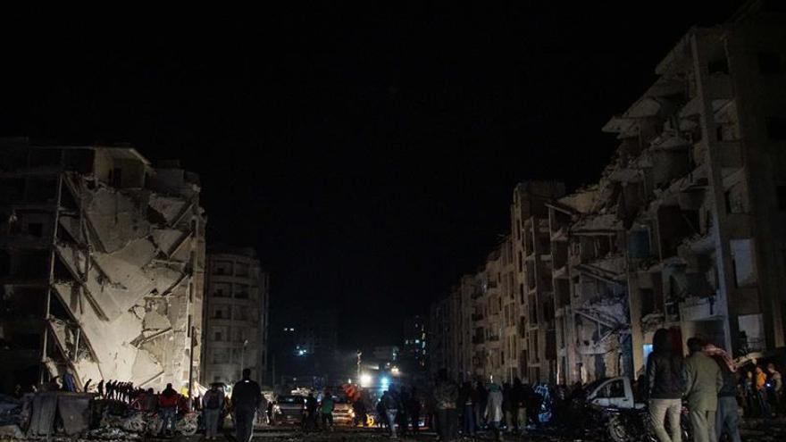 Al menos 18 civiles muertos en una explosión en el noroeste de Siria, según ONG