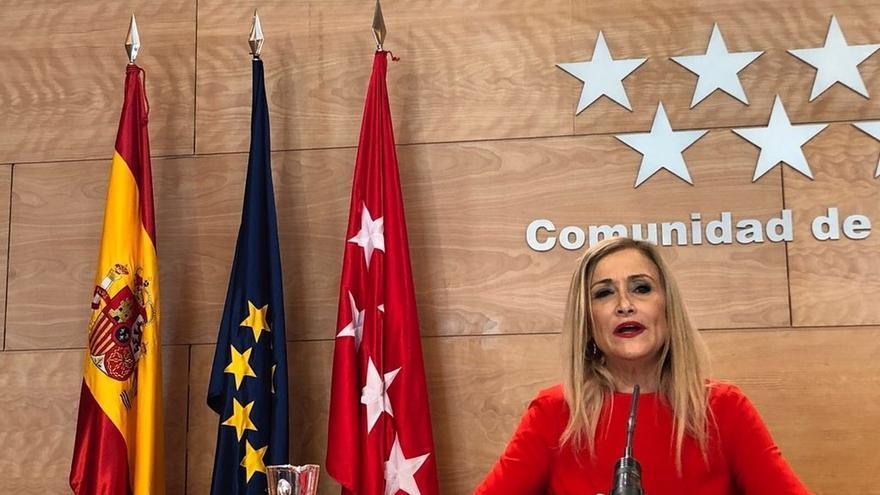 """Cifuentes reitera que no dimite porque no ha cometido """"irregularidades"""" y dice que tiene el apoyo de Rajoy"""