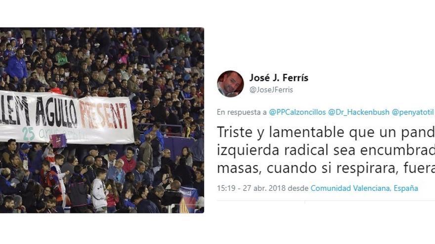 Imagen de la pancarta de homenaje a Agulló y el comentario del dirigente del PP