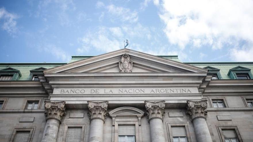 """El FMI pide apoyo a acreedores privados ante una deuda argentina """"no sostenible"""""""
