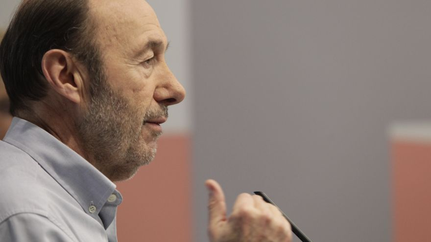 """Rubalcaba clausura hoy el Foro Interparlamentario que define la estrategia del PSOE en """"respuesta a los recortes"""""""
