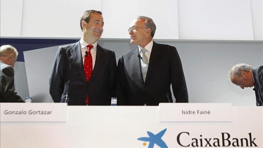 CaixaBank convoca a los sindicatos para negociar un ajuste de plantilla