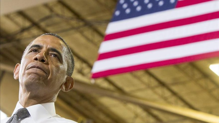 Obama promueve su agenda económica tras  una semana marcada por escándalos