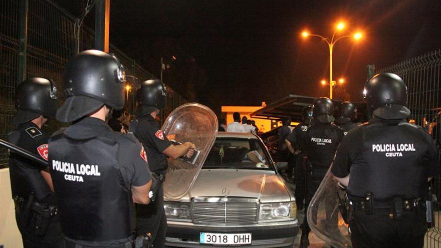Expulsan a ocho inmigrantes del CETI de Ceuta por disturbios en el interior