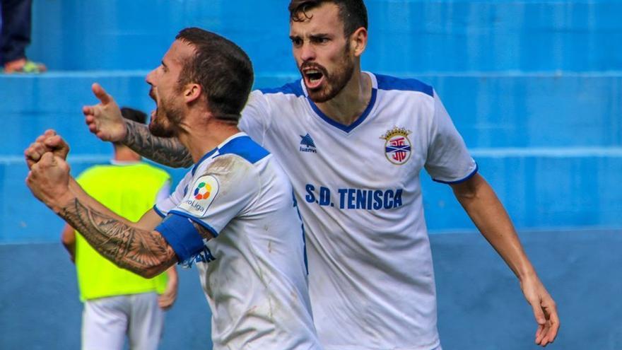 Dani López celebra el tanto del empate frente al Unión Viera
