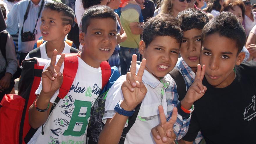 A pesar de las adversidades, los niños regresan felices por volver junta a sus familias.