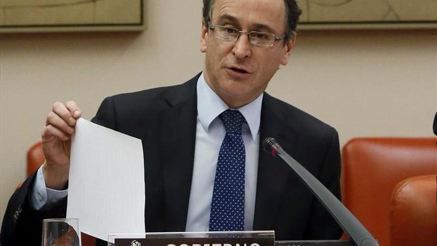 Alfonso Alonso entra en el ránking del Gobierno como el tercer ministro más valorado