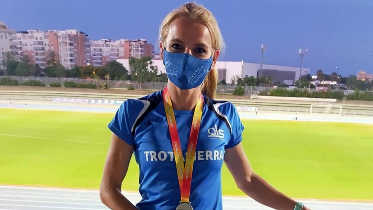 Raquel Hernández, una de las medallistas del Trotasierra