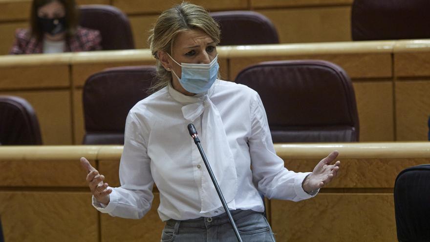 La ministra de Trabajo, Yolanda Díaz interviene durante una sesión de control al Gobierno en el Senado, en Madrid (España), a 2 de febrero de 2021.