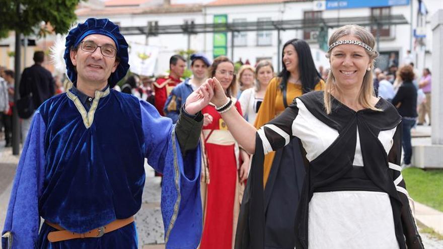 La Raya hispanolusa viaja al medievo con la Batalla del Halcón y el Beso Eterno