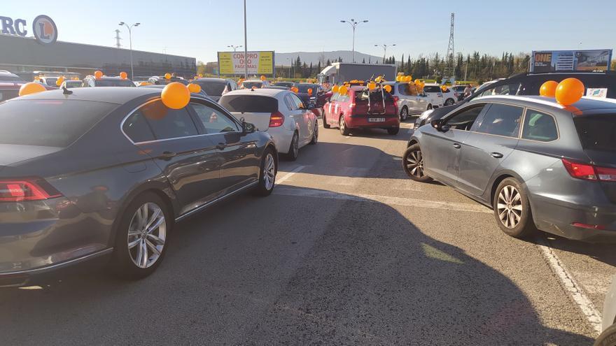 Manifestación de coches en Pamplona en contra de la 'Ley Celaá'