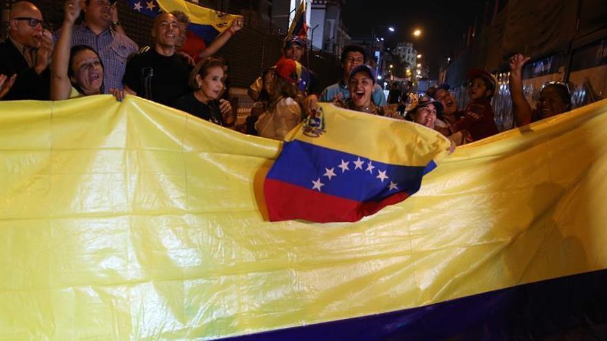 Los venezolanos en Oriente Medio, los primeros en votar en la consulta opositora