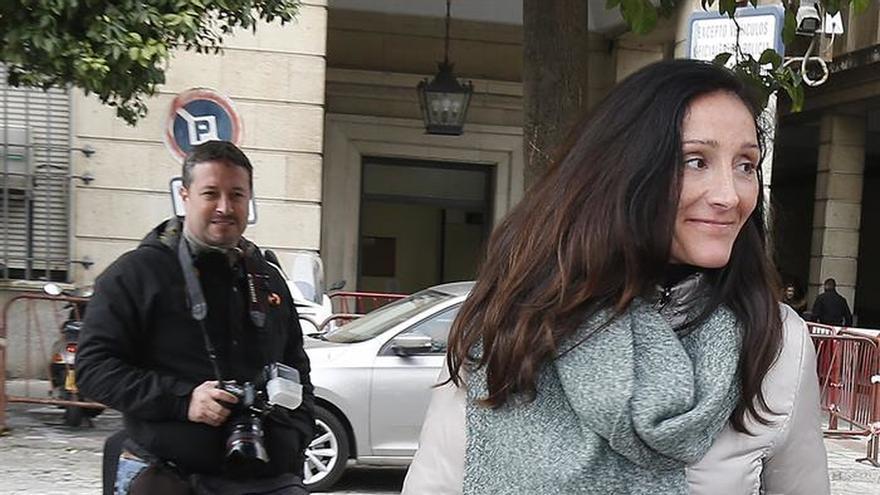 La juez pide a Pedraz información del posible delito de Manos Limpias en los ERE