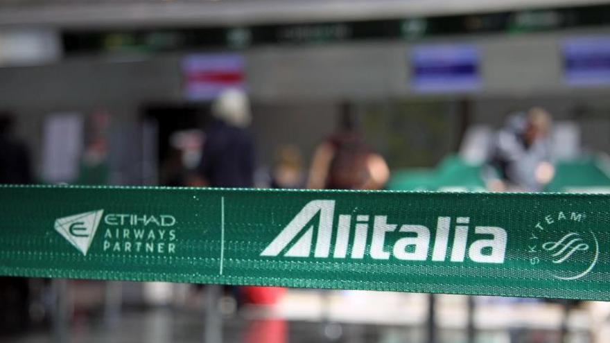 Alitalia cancela 200 vuelos a causa de una huelga sobre su rescate