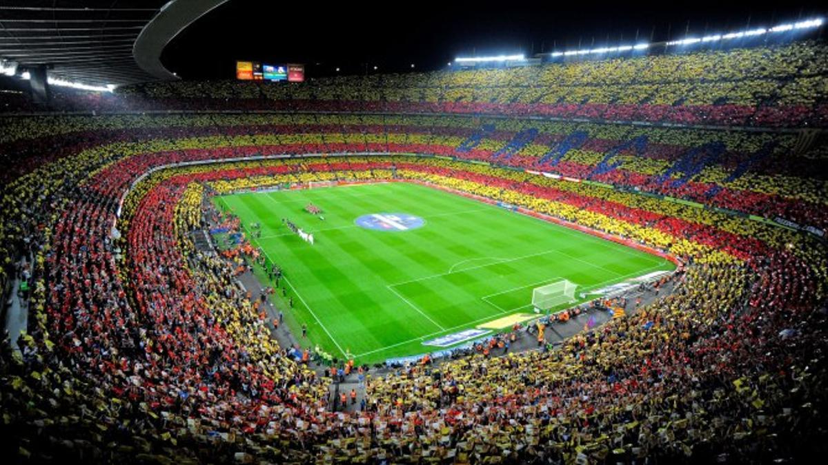 El Camp Nou, estadio del Barça, lleno para ver un partido antes de la pandemia