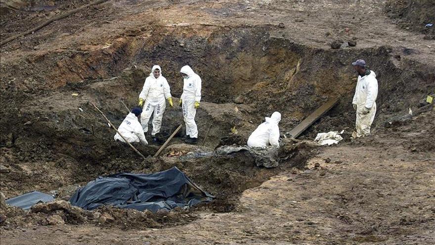 Exhumados los restos de 430 víctimas de la fosa común de Tomasica, en Bosnia