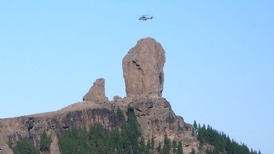 De un helicóptero posándose en el Tablón del Nublo #1