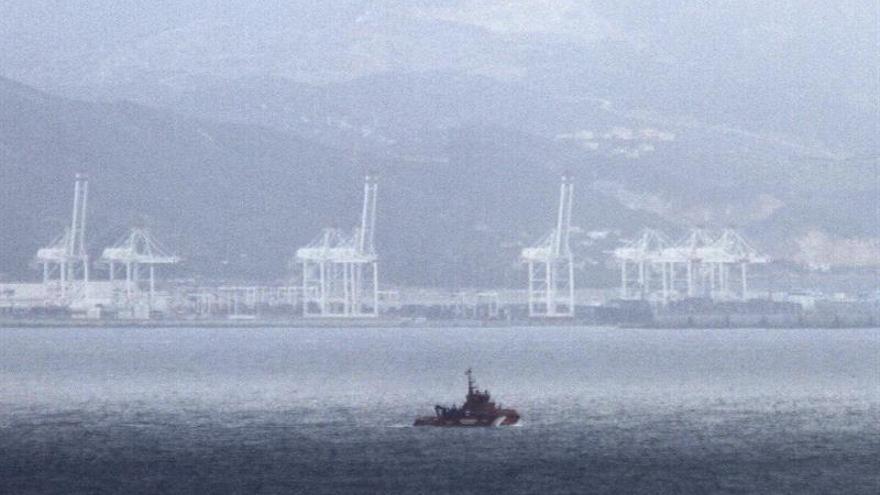 Localizan una patera con 7 inmigrantes en aguas del estrecho de Gibraltar